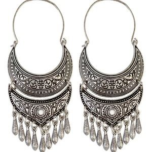NWT Boho Etched Festival Silver Dangle Earrings